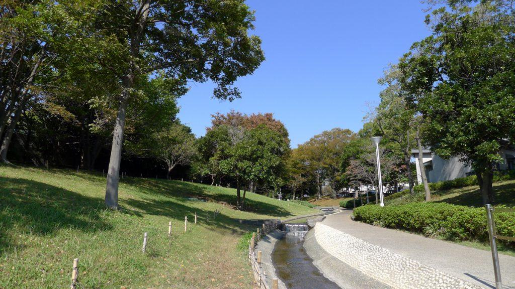 新長島川親水公園の秋の風景