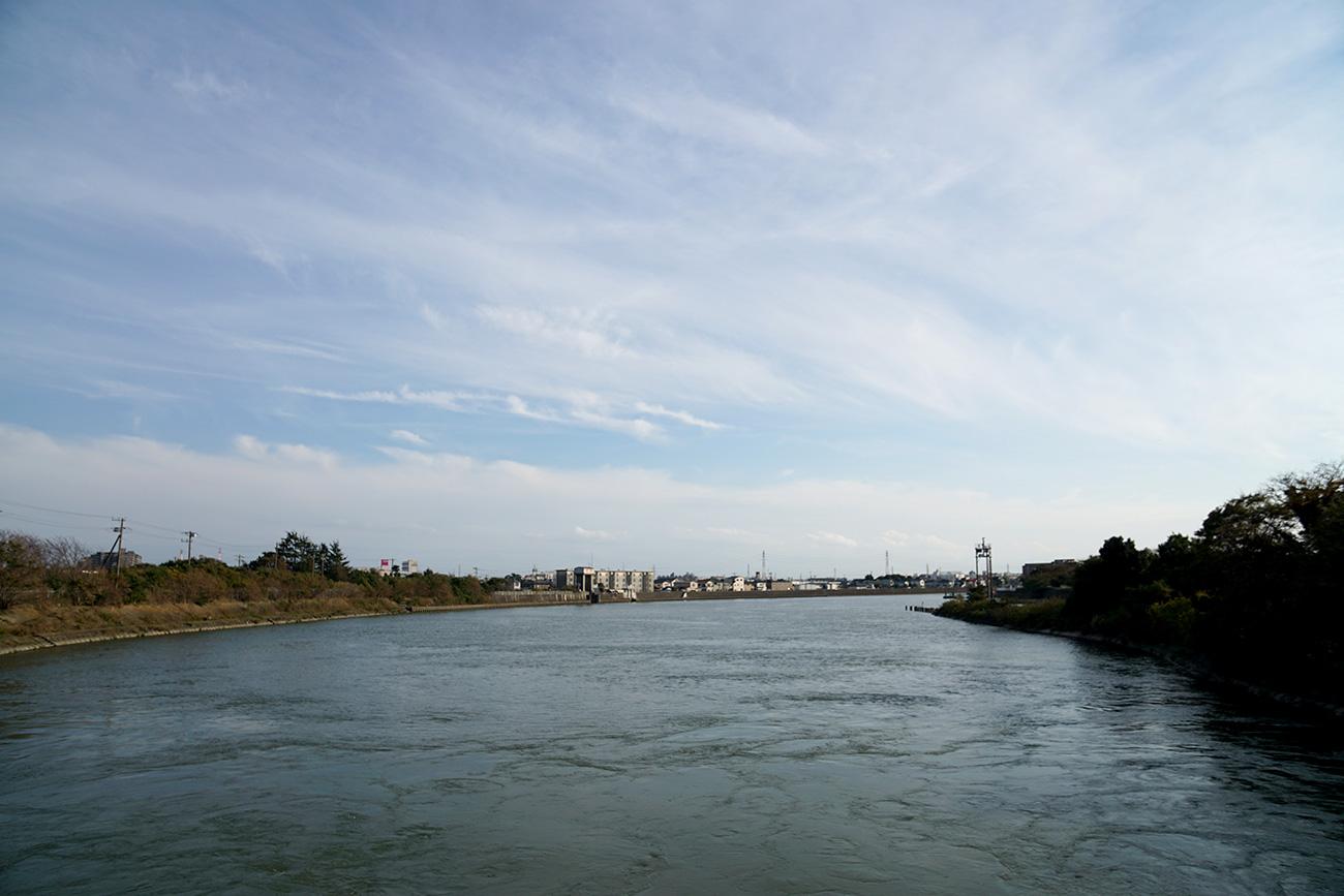 画像 江戸川水門から旧江戸川の下流方面をのぞむ