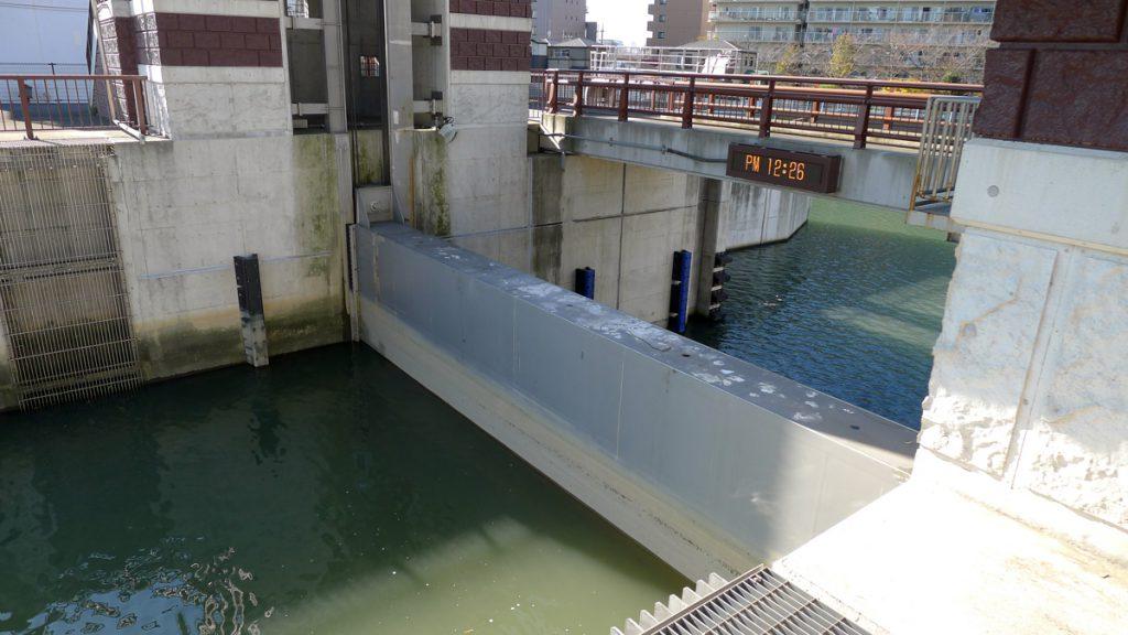 画像 旧中川のゲート
