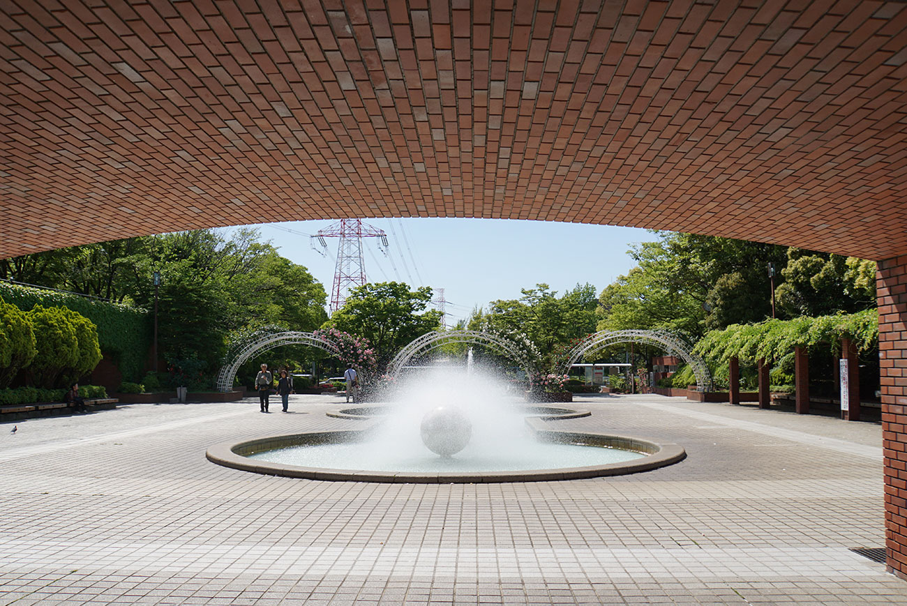 画像 フラワーガーデン入口の噴水
