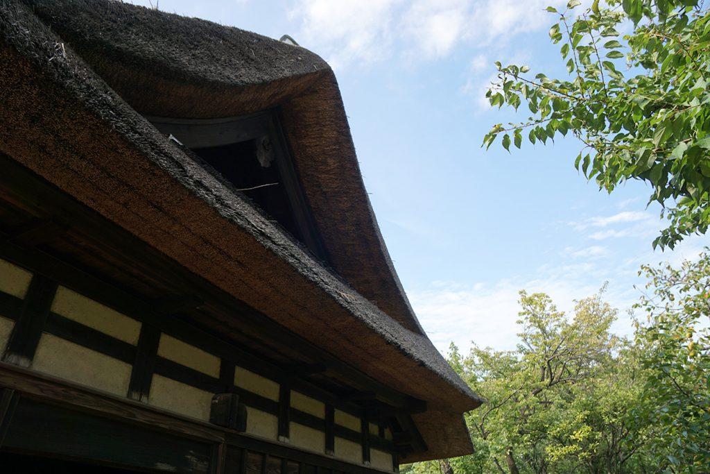 画像 一之江名主屋敷の茅葺屋根