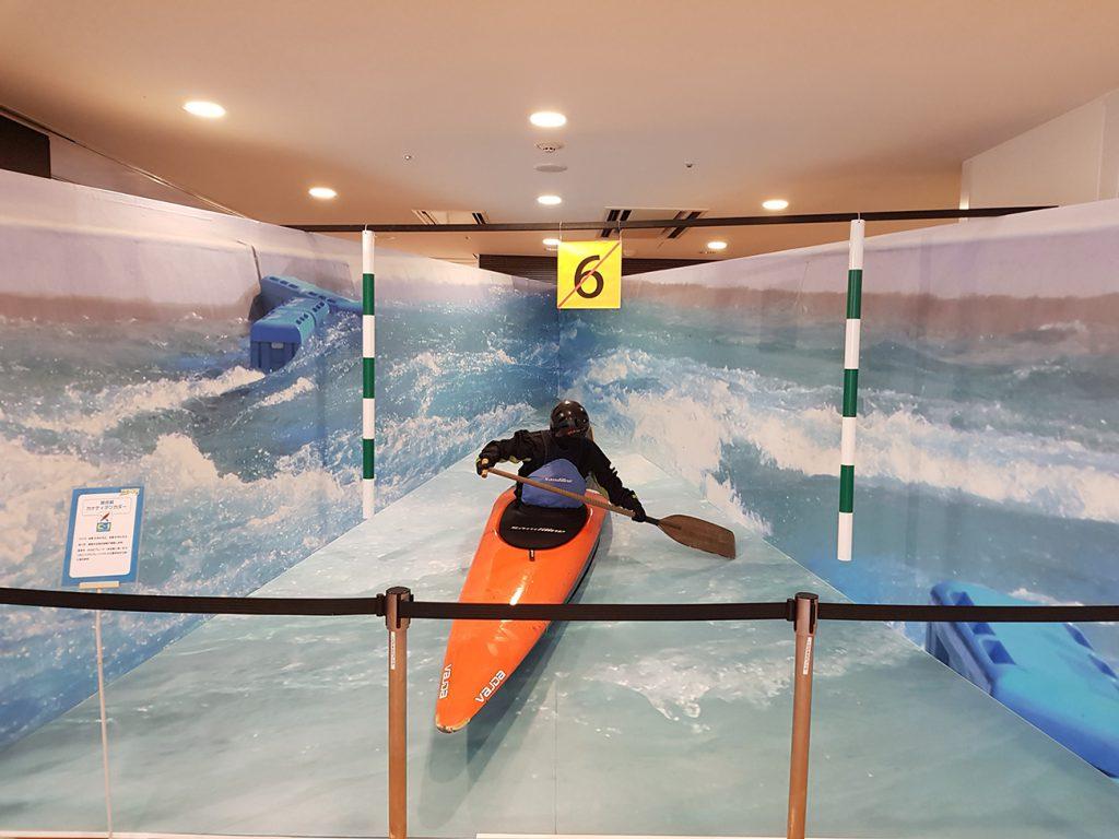 画像 カナディアンカヌーの競技艇