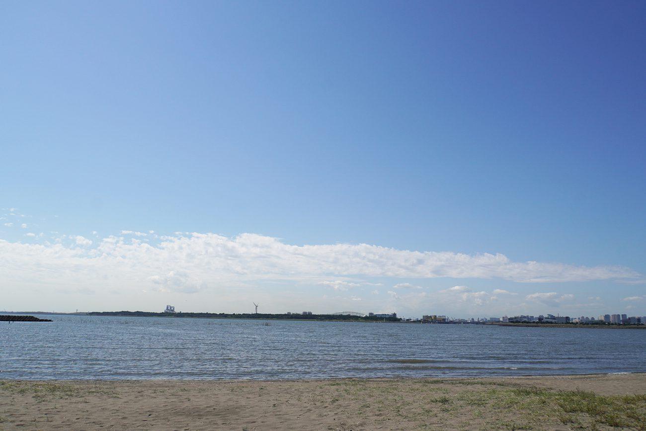 画像 葛西海浜公園の西なぎさから東京湾方面を臨む