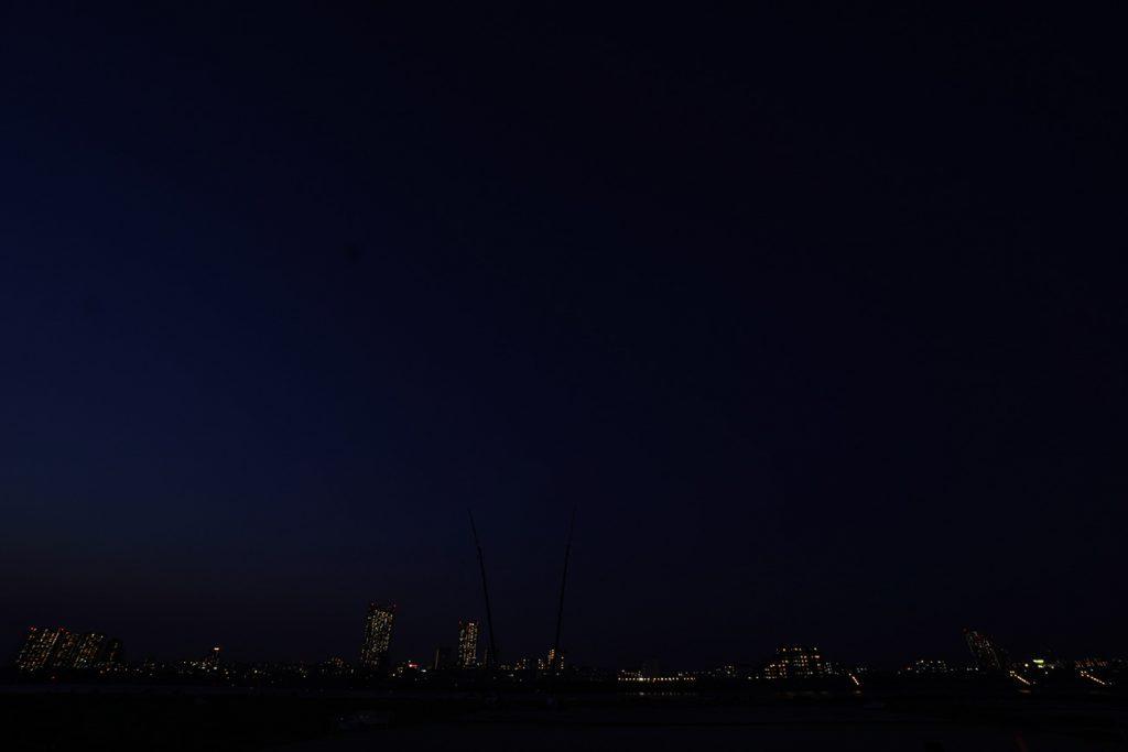 画像 花火打ち上げ前の会場上空