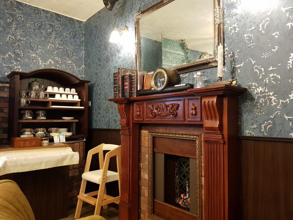 画像 絵本カフェ<雑貨タルト> 店内の様子 暖炉