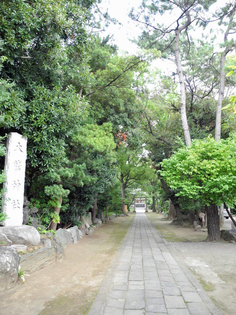 画像 花畑大鷲神社の参道